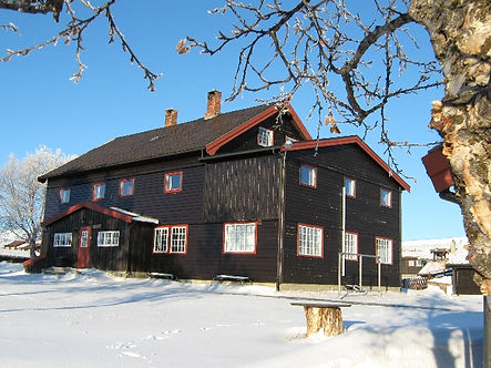 Sæterheim - en koselig hytte til din fjellferie sommer, høst, vinter, påske eller vår på Rondeheim - den Norske Fjellskolen på Høvringen ved foten av Rondane Nasjonalpark