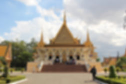 the-royal-palace-of-cambodia-3105374_192