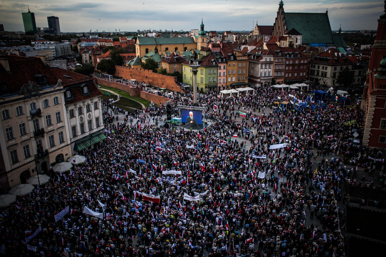 WAKE UP, POLAND