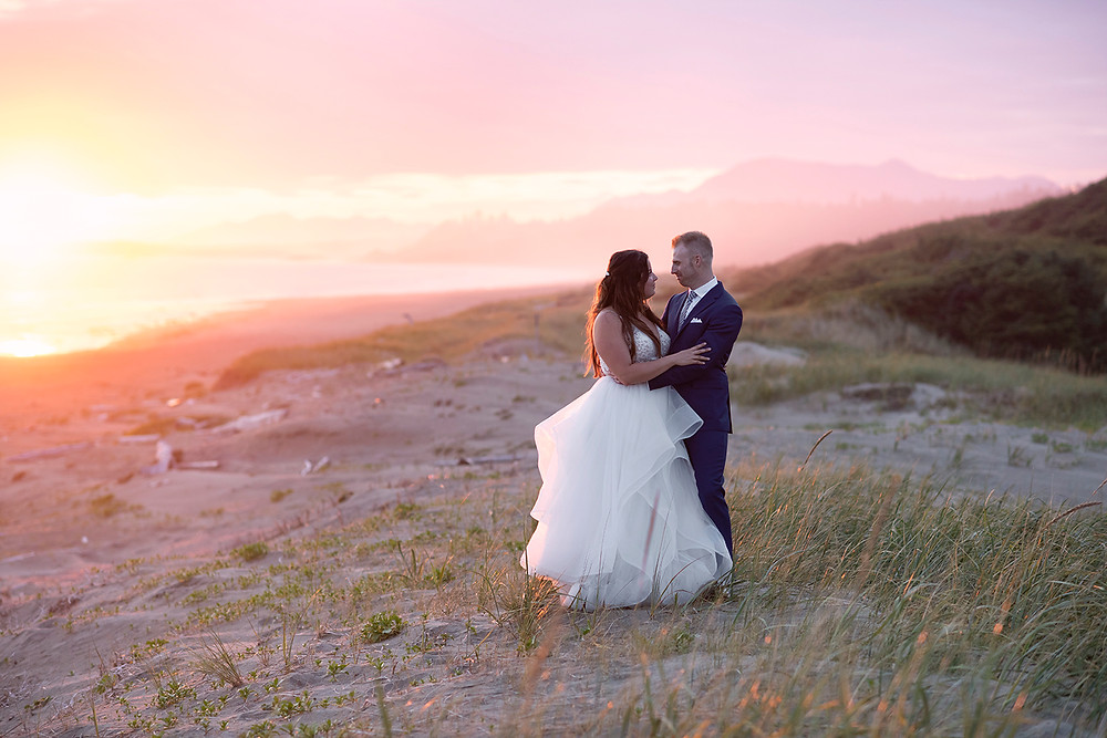 Wedding photos at sunset in Tofino. Photographed by Tofino photographer Kaitlyn Shea.