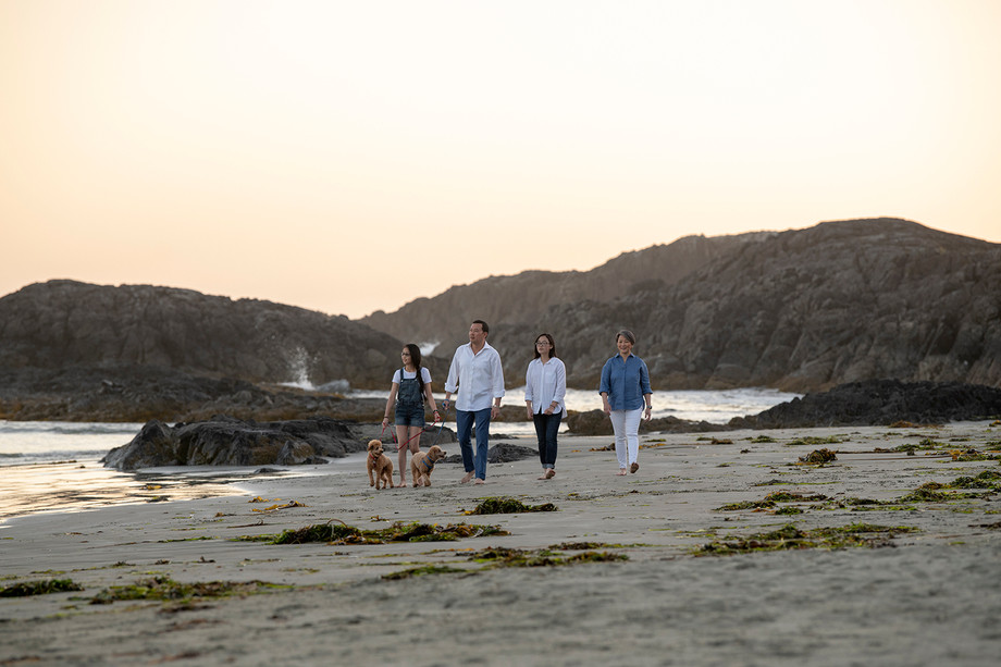 Family Pictures in Tofino | Ching Family | Chesterman Beach