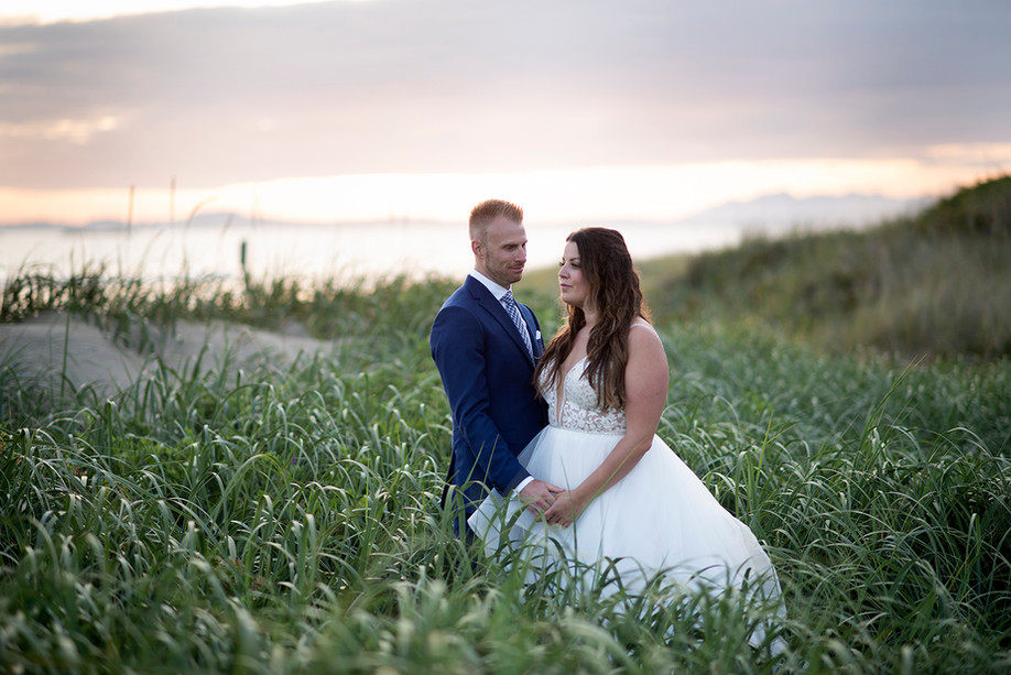 Sunset Wedding Photos in Tofino || Warren & Kim || Tofino Photographer