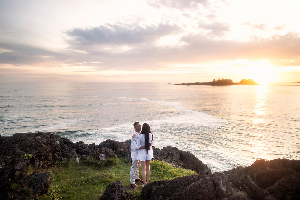 Sunset proposal in Tofino on Pettinger Point. Photographed by Kaitlyn Shea.