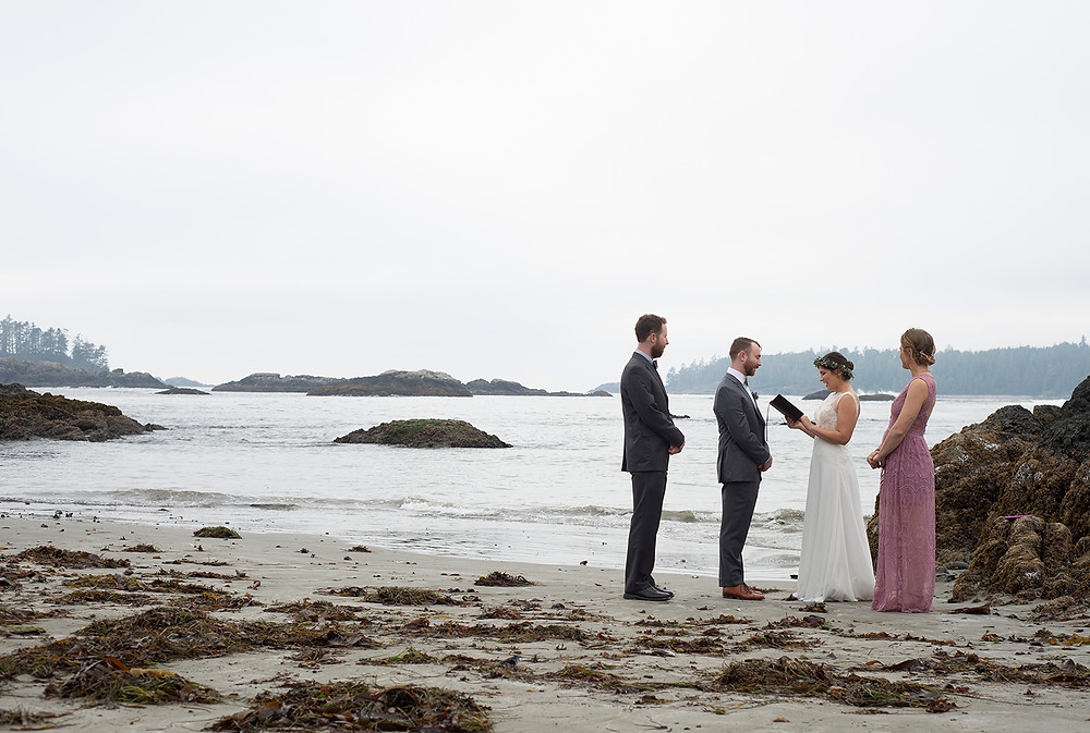 Wedding at Schooner Cove Tofino. Photographed by Kaitlyn Shea