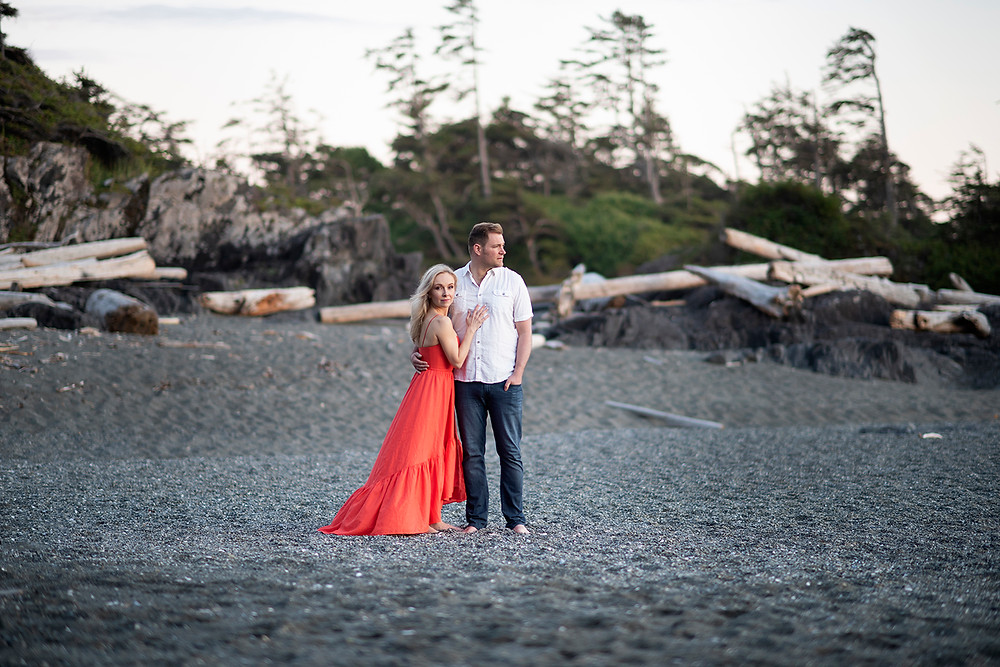 couple on beach in Tofino for engagement photos. Photographed by Kaitlyn Shea.