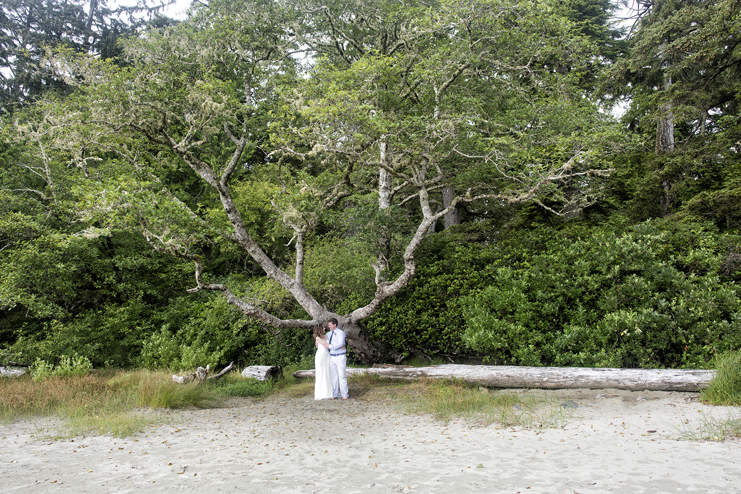Tofino Wedding at Middle Beach Lodge