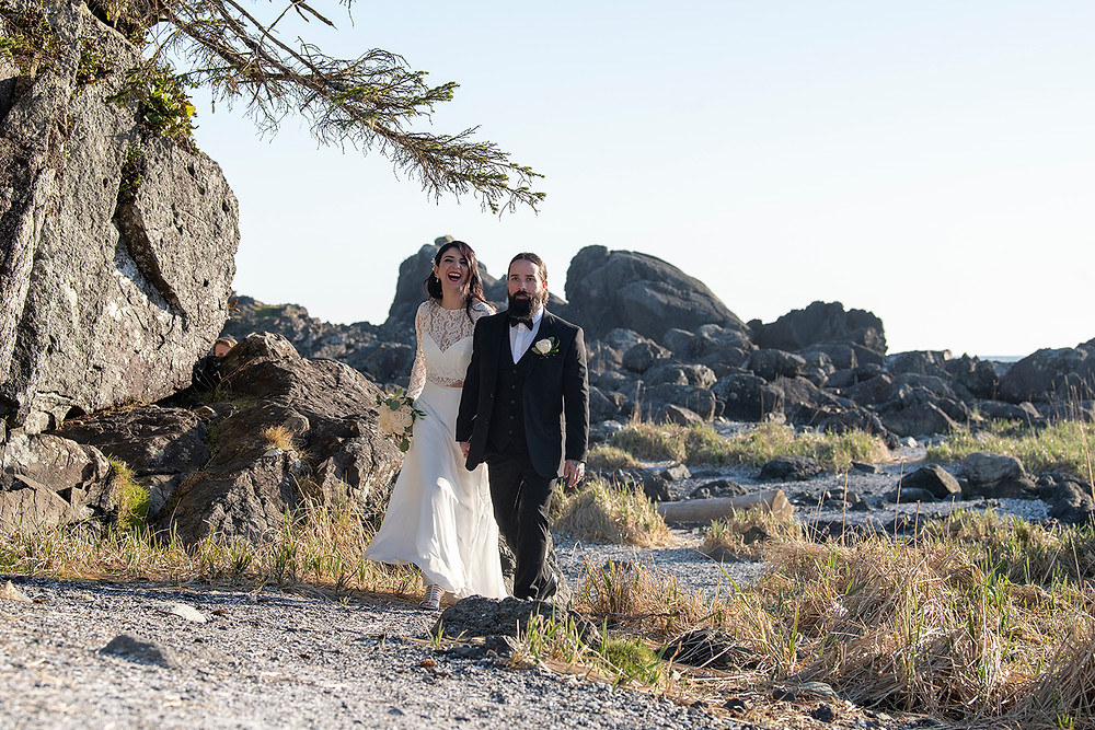 Eloping in Ucluelet. Photographed by Kaitlyn Shea.
