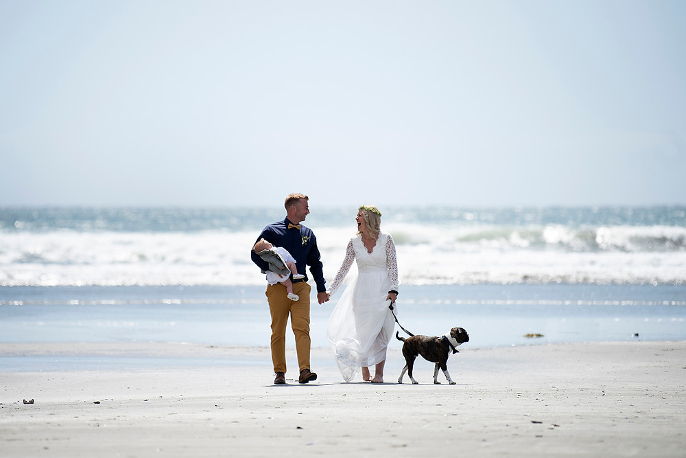 destination beach wedding in Tofino. Photographed by Kaitlyn Shea