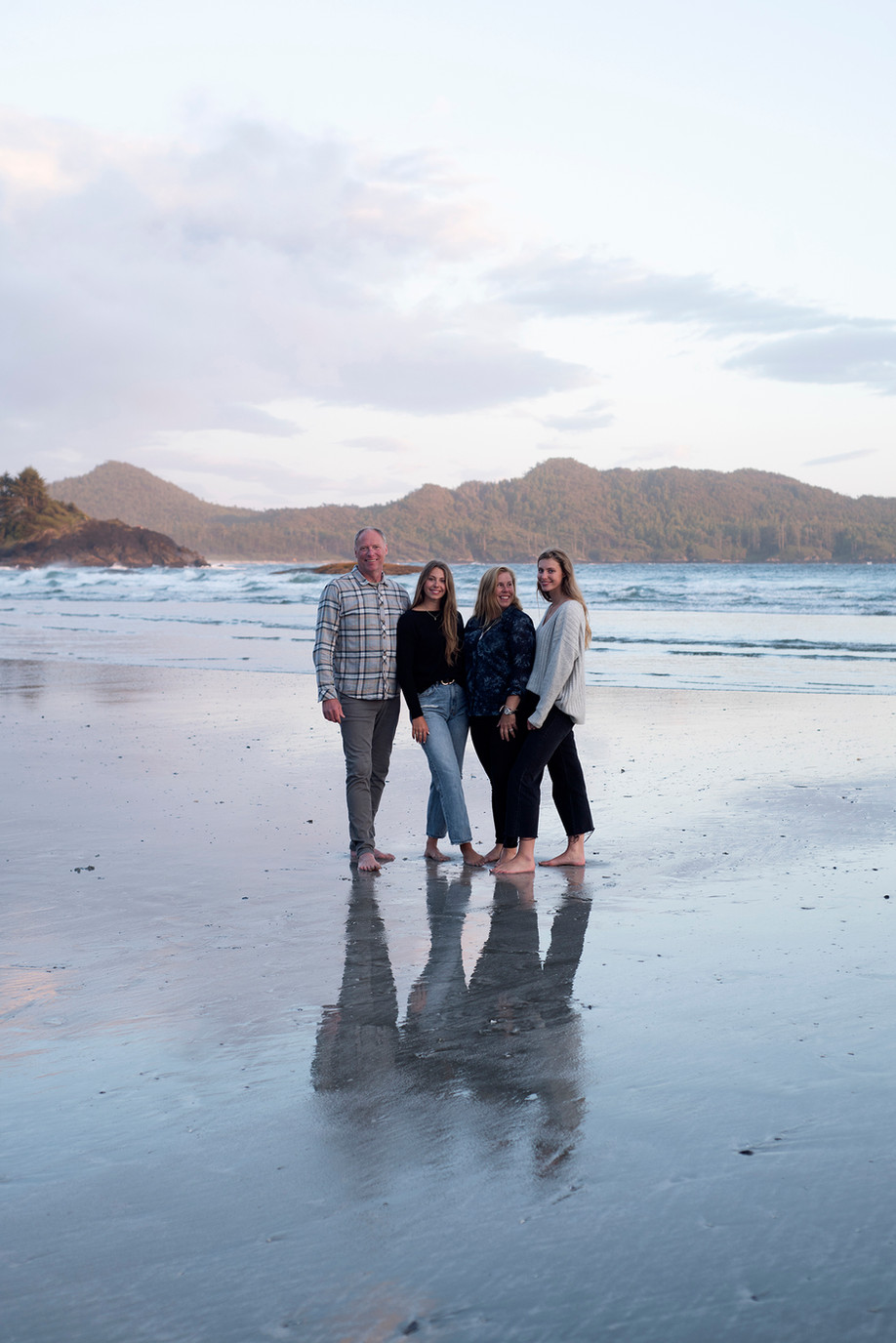 Family Photography Tofino || Lavigne Family || Chesterman Beach