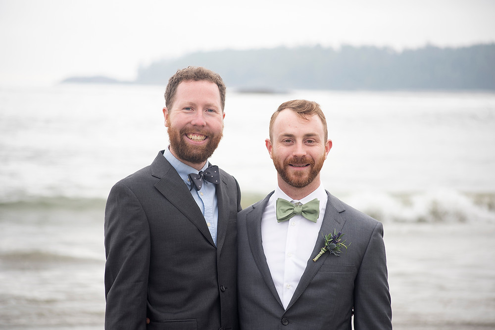 groom and best man at Schooner Cove wedding in Tofino. Photographed by Kaitlyn Shea