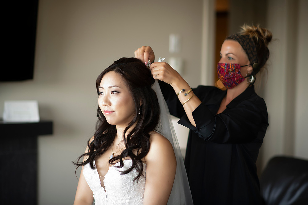 Bride gets ready for her Ucluelet wedding at Black Rock Resort. Photographed by Ucluelet Photographer Kaitlyn Shea.