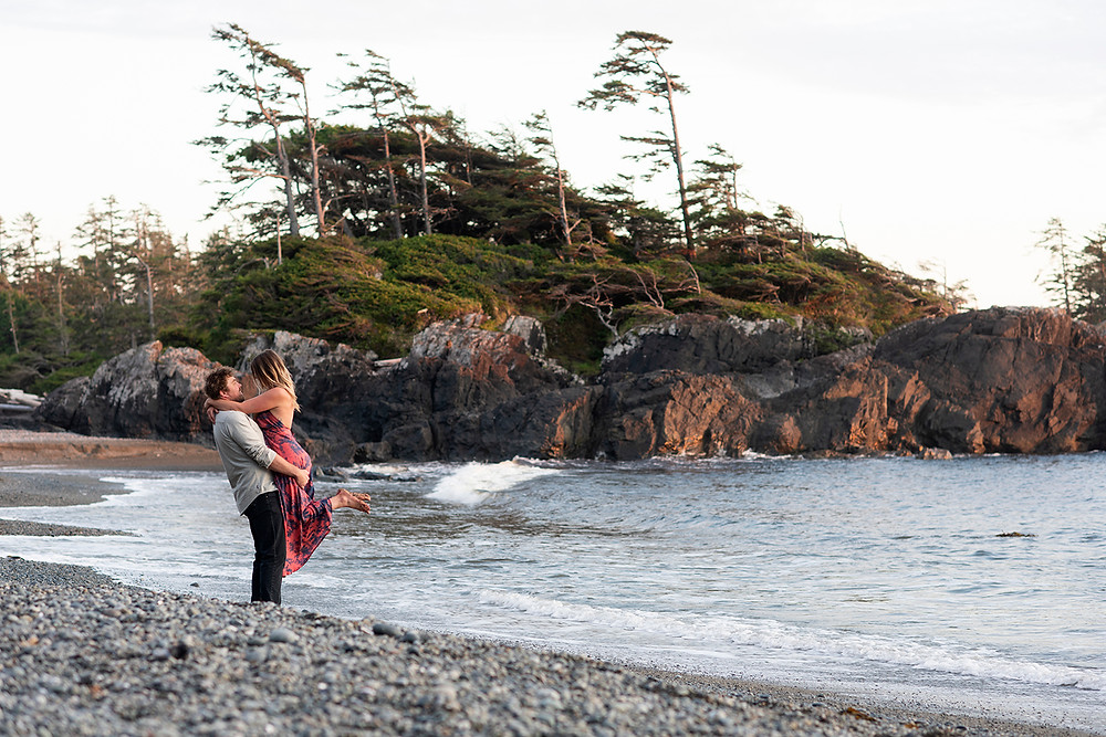 boho engagement photo in Tofino. Photographed by Kaitlyn Shea