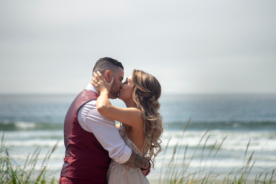 Long Beach Lodge Wedding Tofino || Kara & Travis