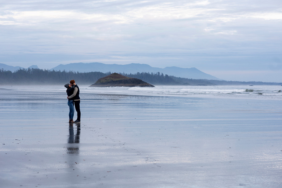 Beach Engagement Photos in Tofino || Jane & Brian