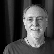 Krishna Das - Our guest of honor will be presenting on Sunday the CD Peace of my heart .
