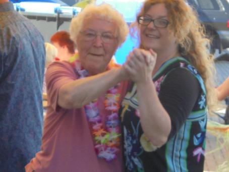 Sommerfest im Altenpflegeheim  Rathaus-Carré