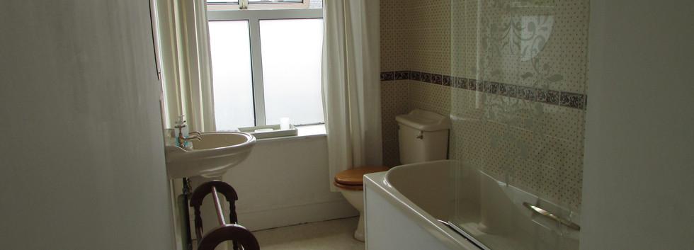 Apartment 11 - Bathroom