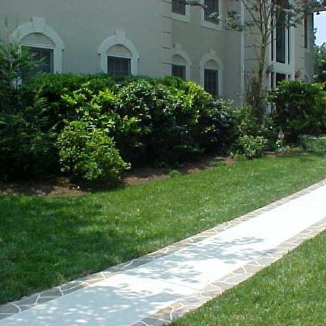 Sidewalk/Walkway