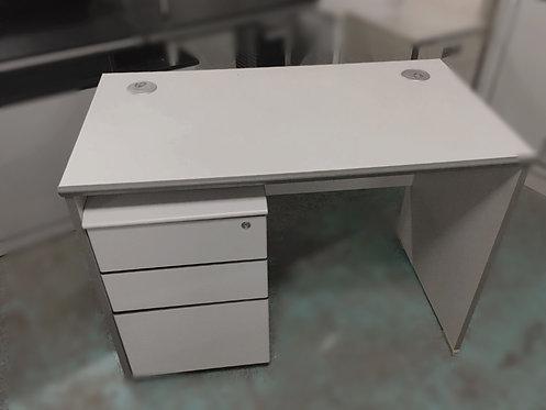 二手辦公桌電腦桌直檯(不連推柜桶)