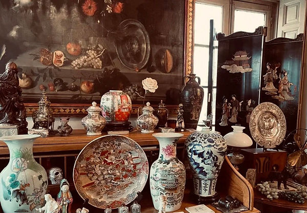 香港古玩瓷器古董收購.jpeg
