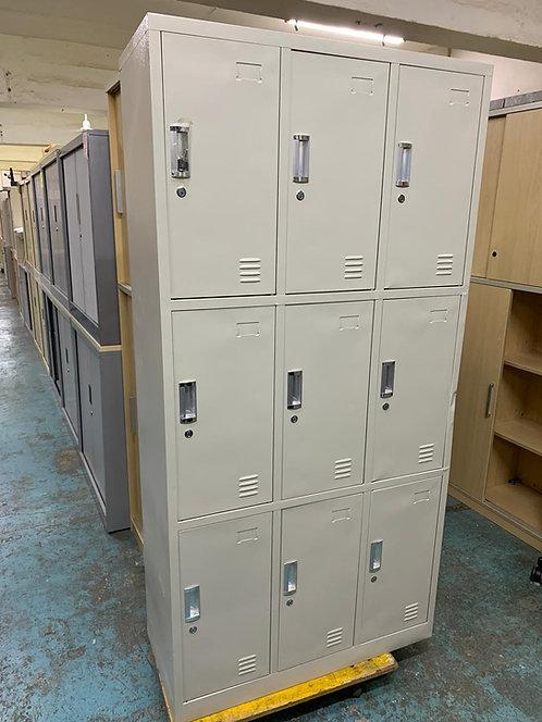 二手灰白色9門儲物櫃Locker