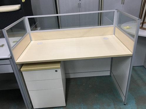 二手玻璃屏風辦公桌