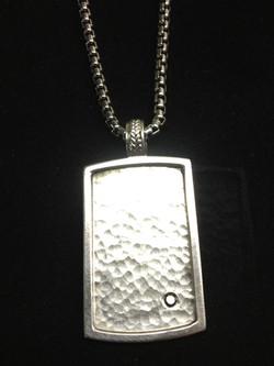 Pendant with diamond