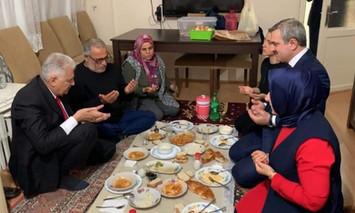 Siyasetçinin Ramazan'da yer sofrasında görünme sevdası nereden geliyor?