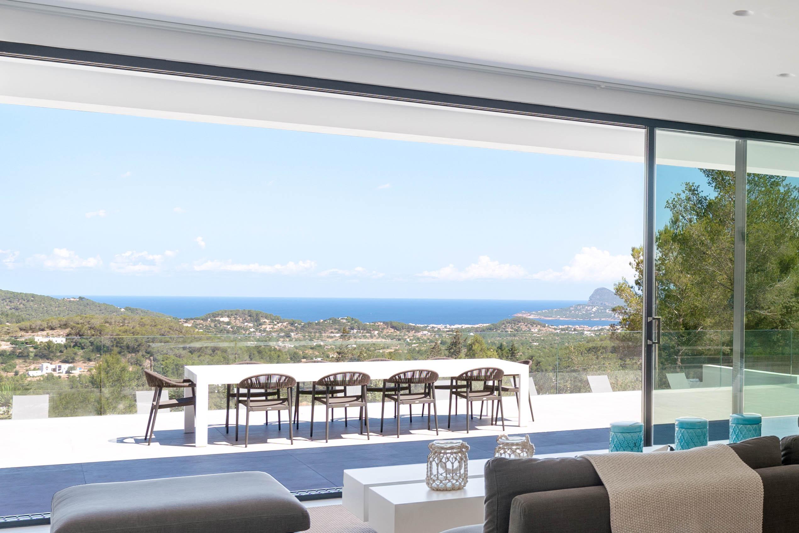 livingroom DSC09161 sea view[1]