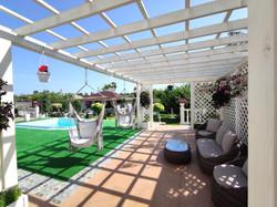 будинок з басейном у Вінниці
