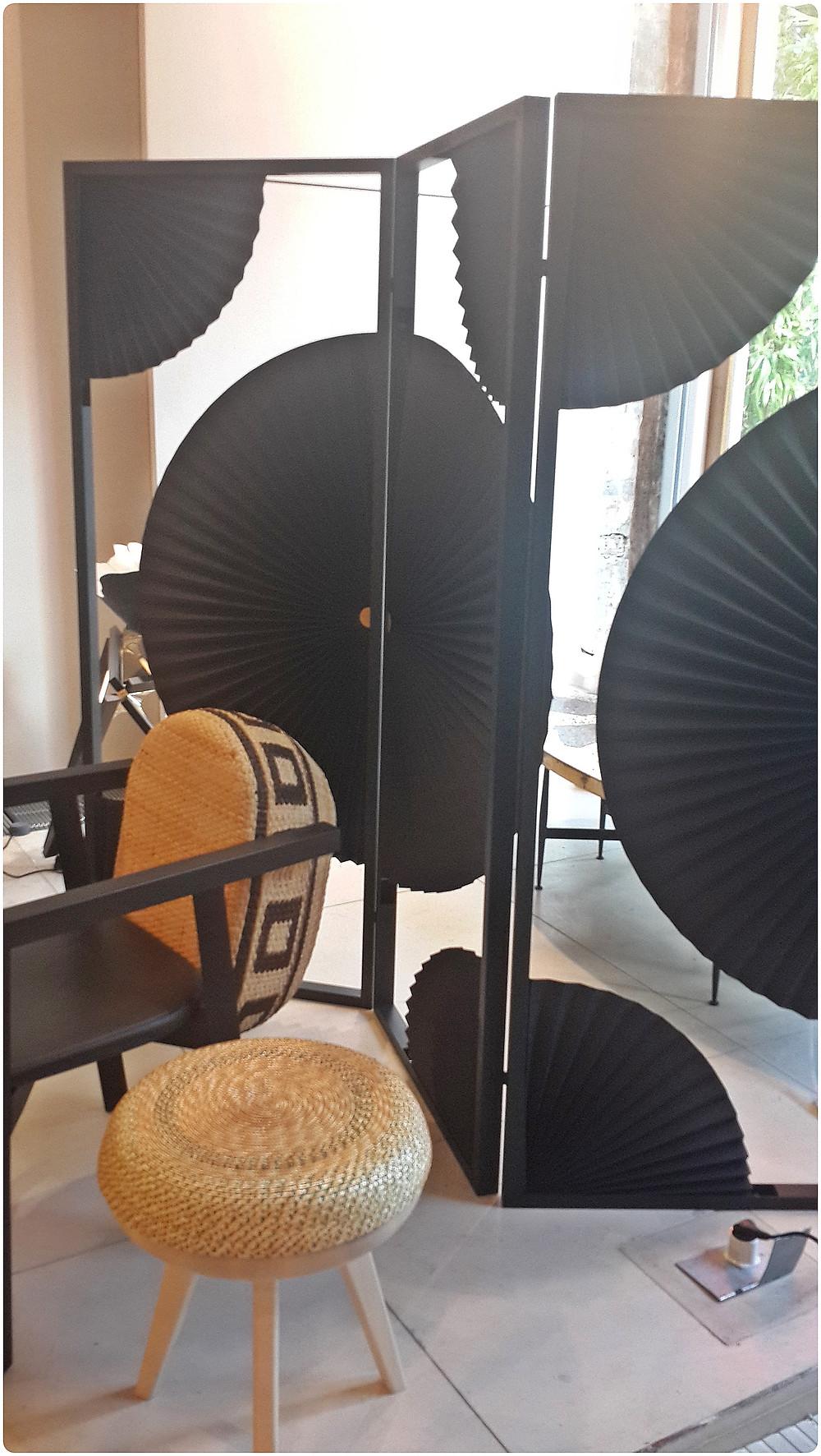 מחיצה בהשראה יפנית  תערוכת העיצוב בלונדון צילום ועריכה: רויטל רודצקי עיצוב פנים והום סטיילינג