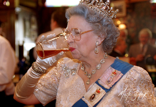 'The Queen', Yates's Wine Lodge