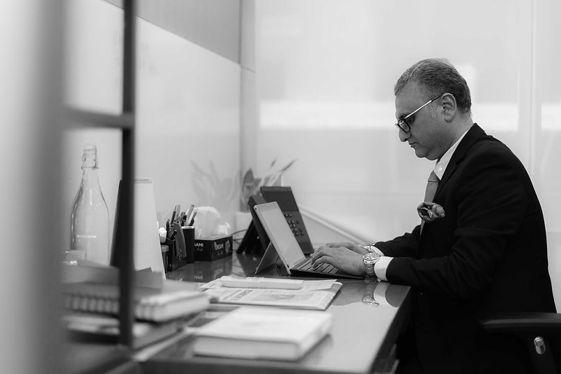 Dr. Sandeep Dadia-7.jpg