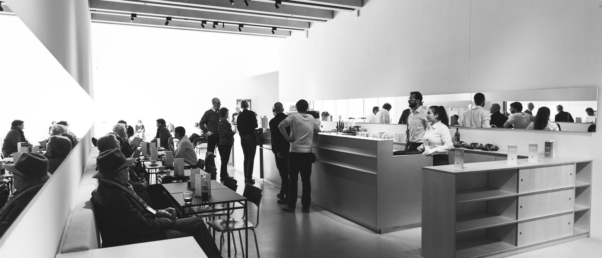 Foto: © Leander Brandstädt - Cafe Kunstpause Bauhaus Museum Weimar