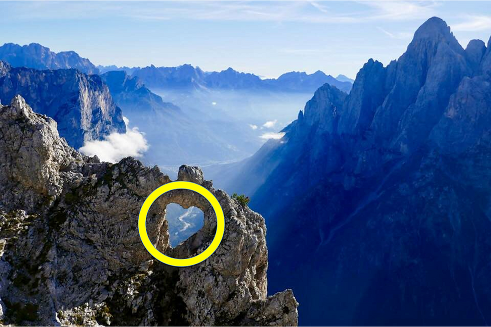 Dolomiti Heart Circle.png