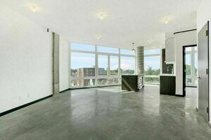 7 Living Area.jpg