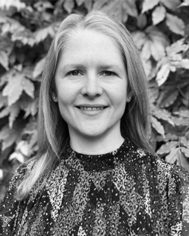 Nikki Smith, authos of debut psychological thriller All In Her Head, talks about writing to Barbara Copperthwaite
