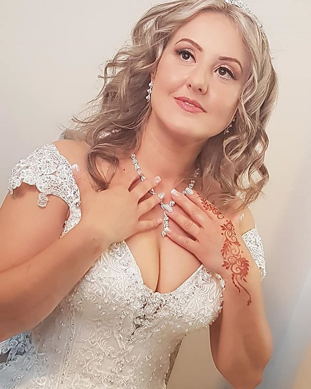 Specializing in bridal and events hair a
