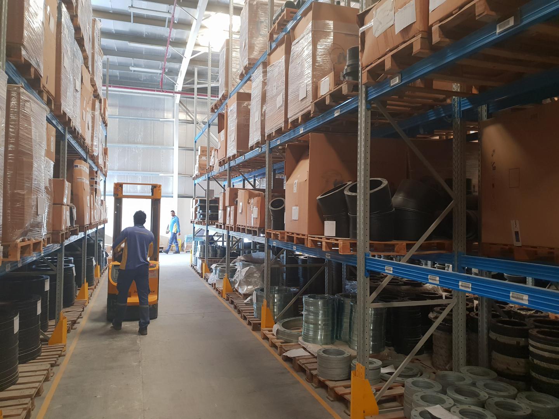 warehouse_image6.jpg