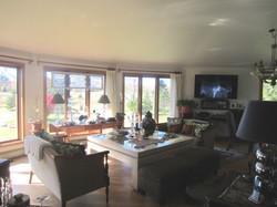 belnan living room windows