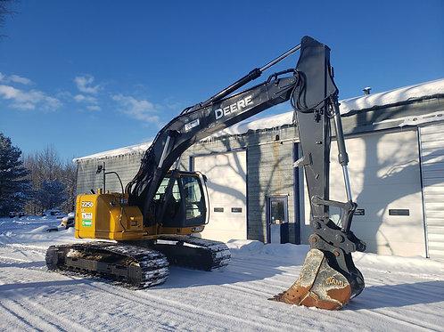 Deere 225D Hydraulic Excavator