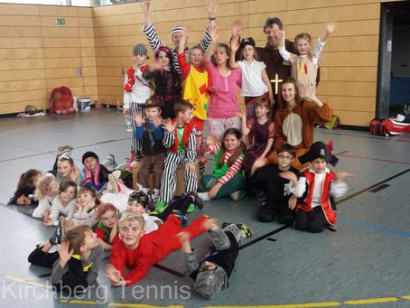 Kinderfasching des Kirchberger Tennisnachwuchses