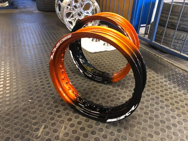 Supermoto outer bands refurbished in 2 tone