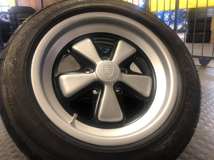 "15""Porsche Fuchs wheels tinted in two tone"