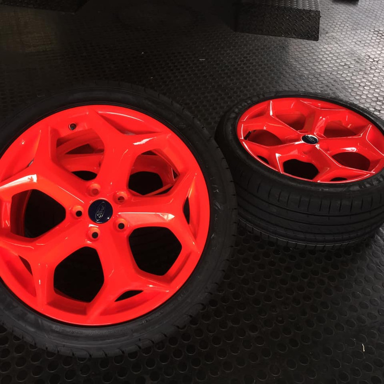 Ford ST wheels tinted dayglo orange