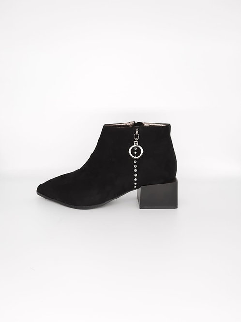 Betsy Black Suedette Boot. B002