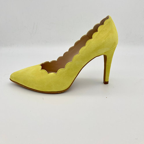 Brenda Zaro Lime Suede Court Shoe. BZ013