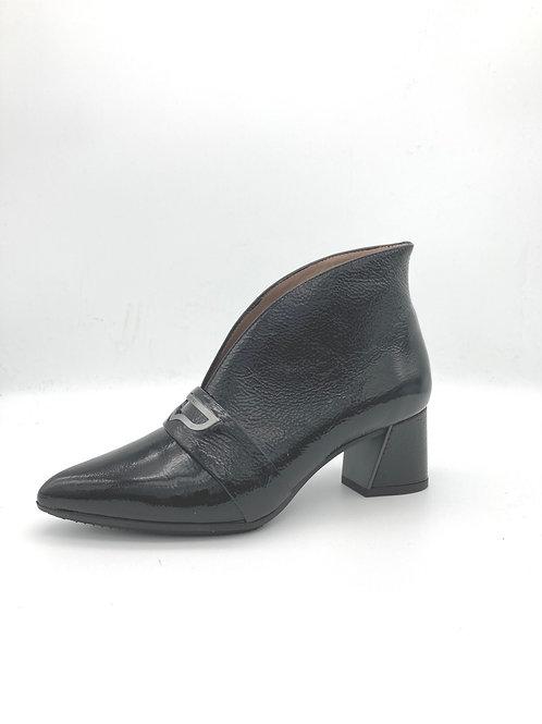 Hispanitas Black Patent Shoe. H005