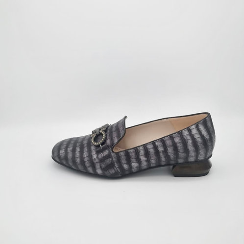 Marian Grey Print Loafer. M001