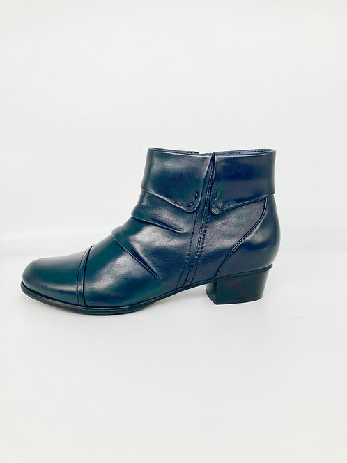 Regarde le Ciel Navy Ankle Boot. RG004